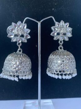 Bright silver toned indian jumkha earring with pearl dangles with kundan stud