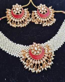 Red pearl choker necklace